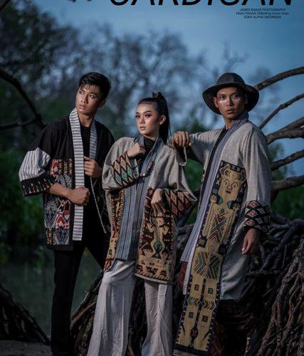 Kimono Cardigan Trend Fashion Terbaru Padu Padan Tenun Karya Erwin Yuan